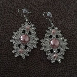Pink pearls with Rhinestones Earrings
